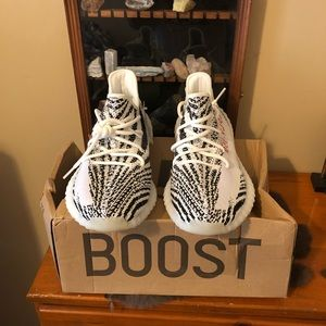 Yeezy zebra 350 boost